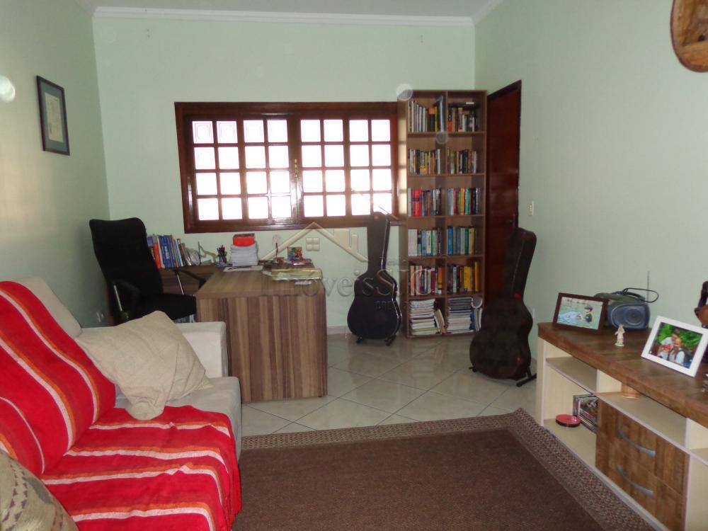 Alugar Casas / Padrão em São José dos Campos apenas R$ 1.400,00 - Foto 1