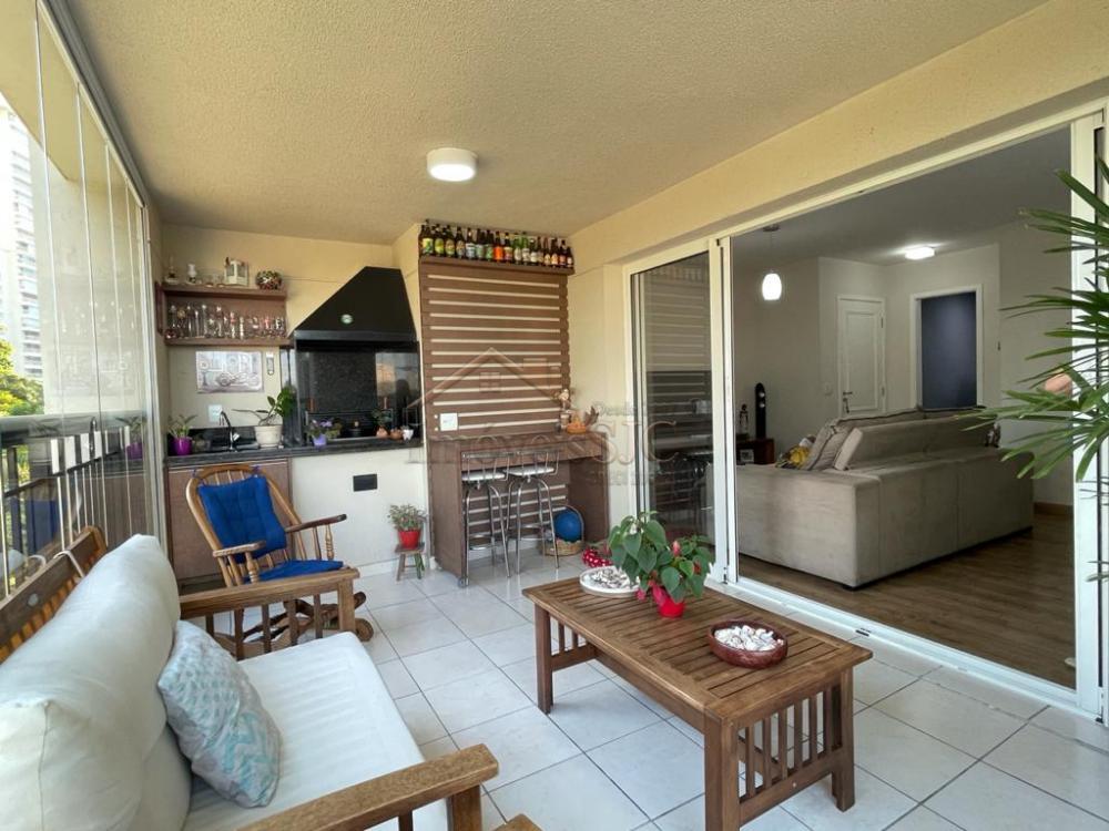 Comprar Apartamentos / Padrão em São José dos Campos R$ 880.000,00 - Foto 2