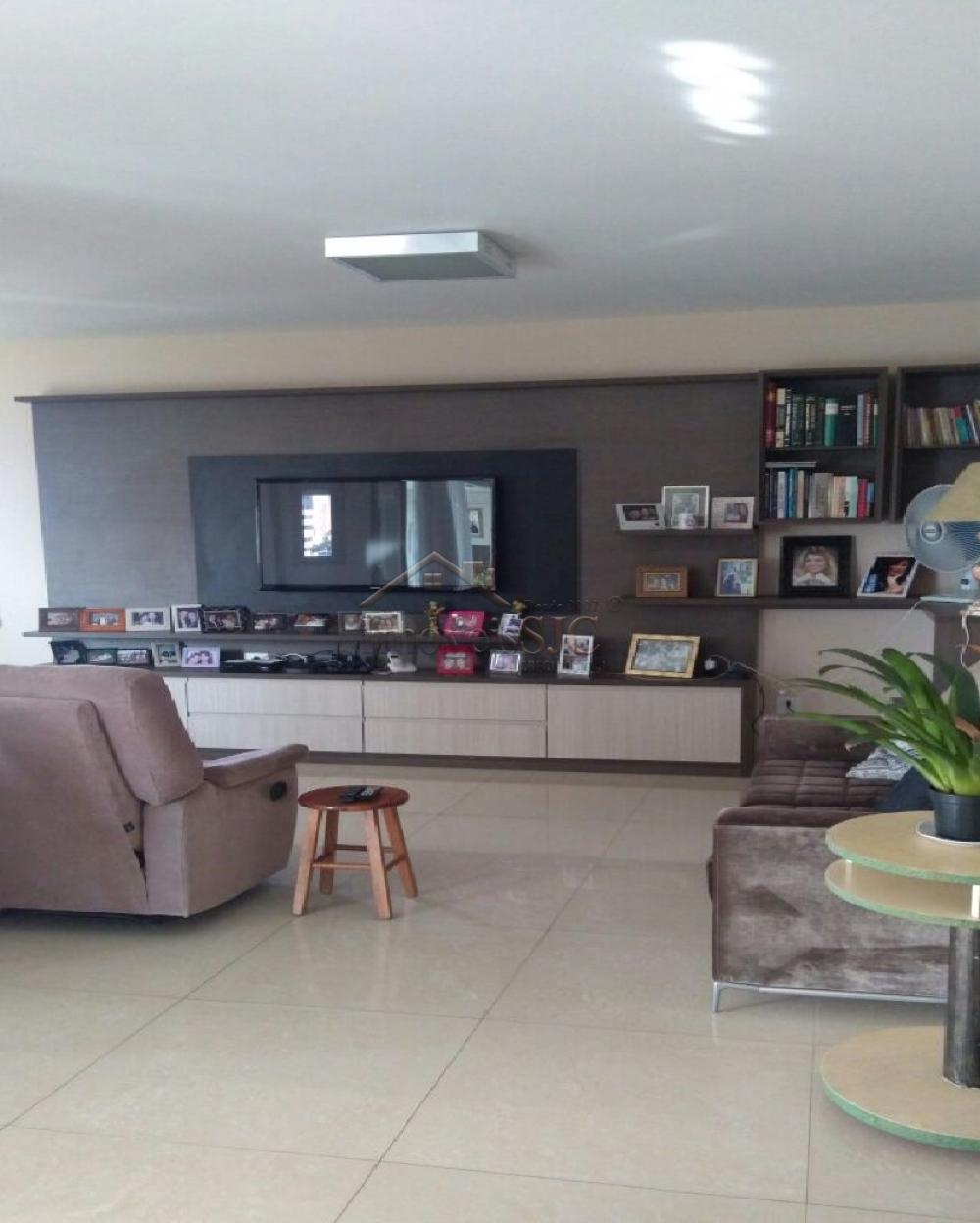 Comprar Apartamentos / Padrão em São José dos Campos apenas R$ 1.700.000,00 - Foto 11