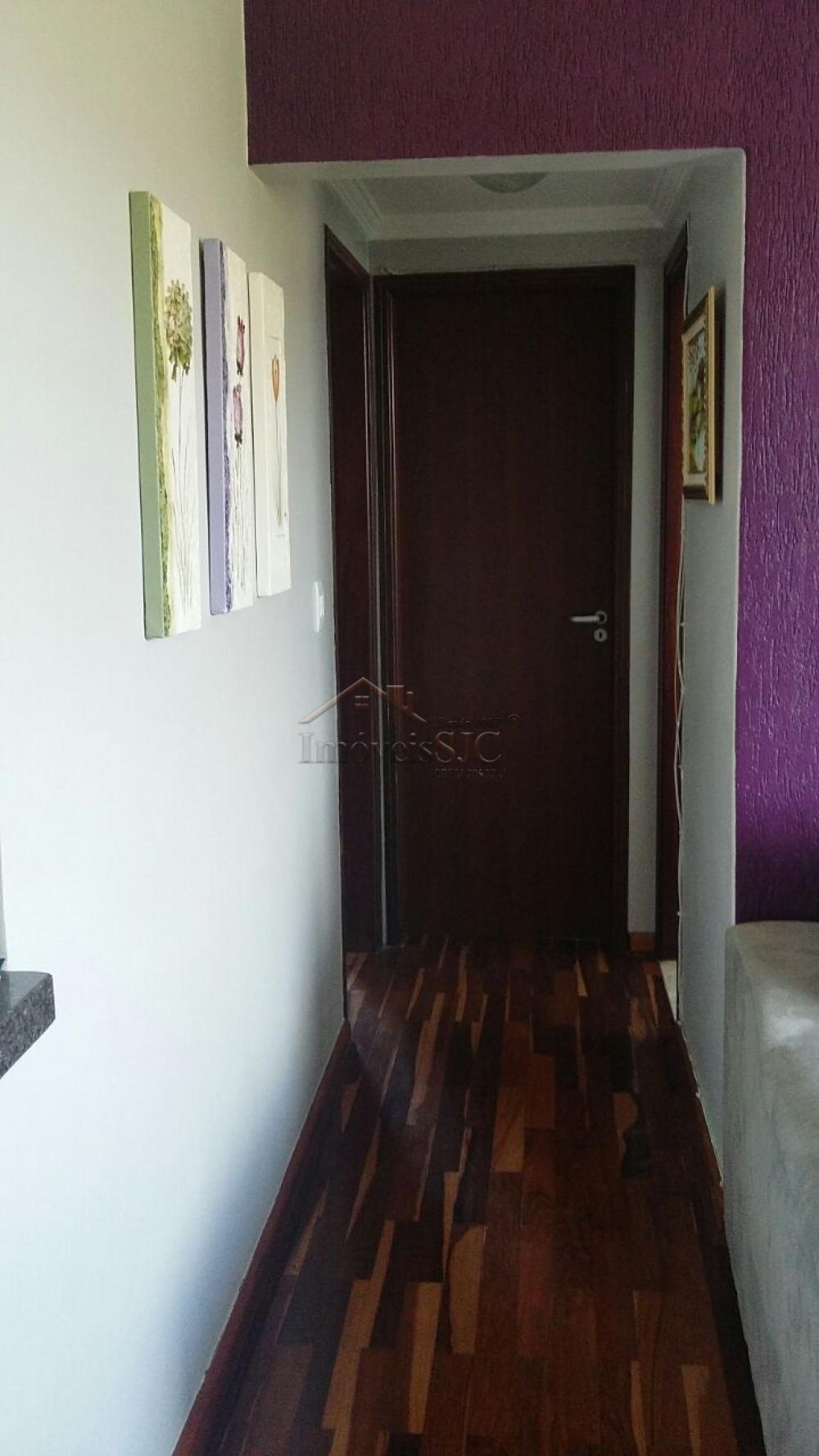 Comprar Apartamentos / Padrão em São José dos Campos apenas R$ 245.000,00 - Foto 3