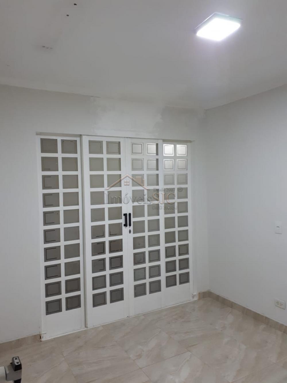 Alugar Casas / Padrão em São José dos Campos apenas R$ 1.500,00 - Foto 1