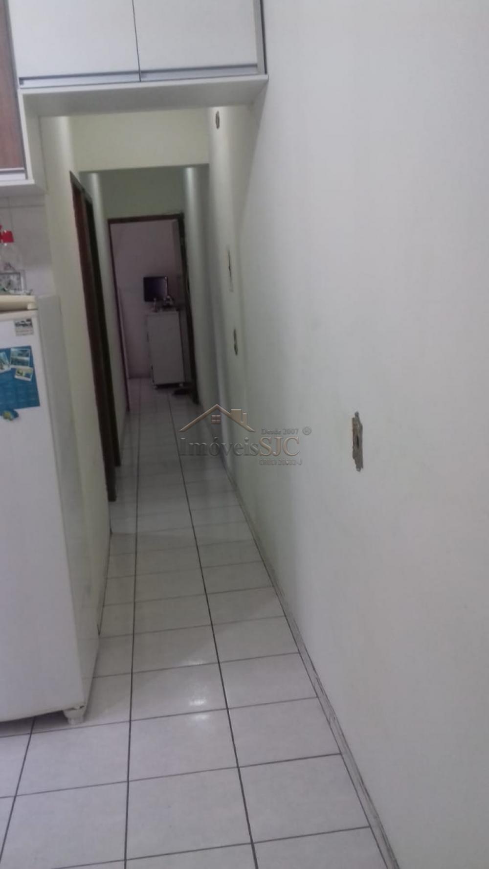 Comprar Apartamentos / Padrão em São José dos Campos apenas R$ 200.000,00 - Foto 2