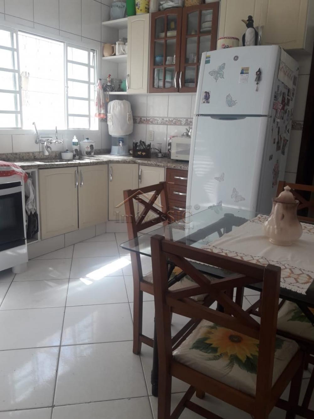 Comprar Casas / Padrão em São José dos Campos apenas R$ 450.000,00 - Foto 11