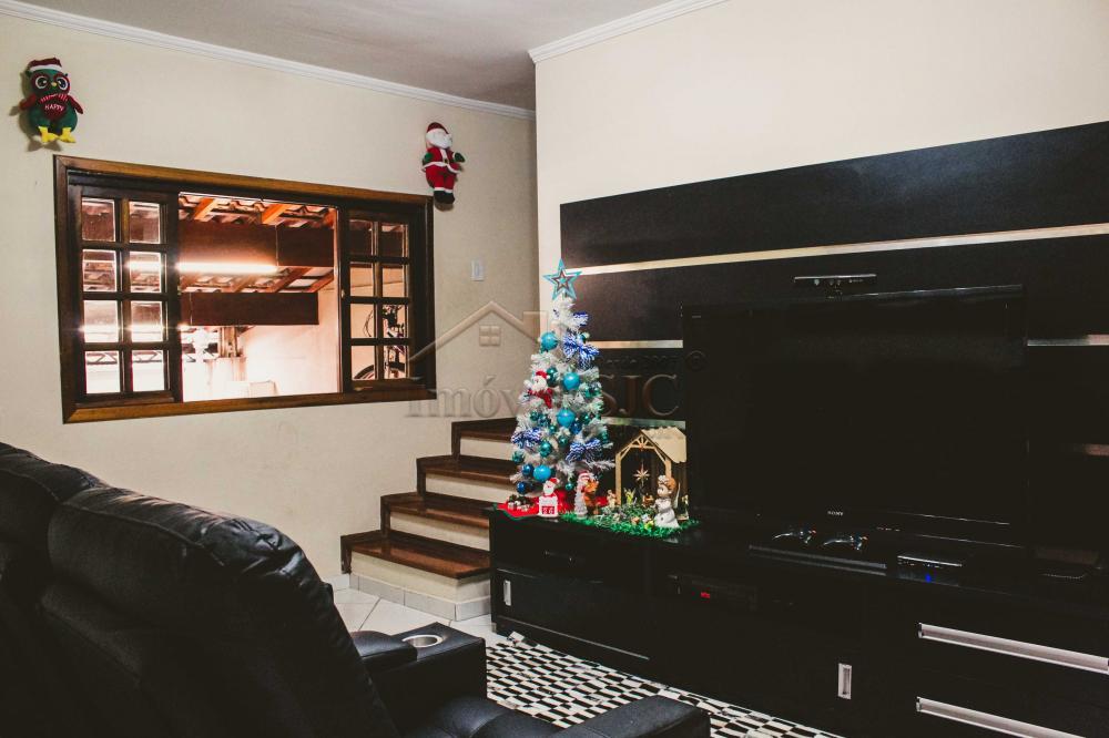 Comprar Casas / Padrão em São José dos Campos apenas R$ 450.000,00 - Foto 1