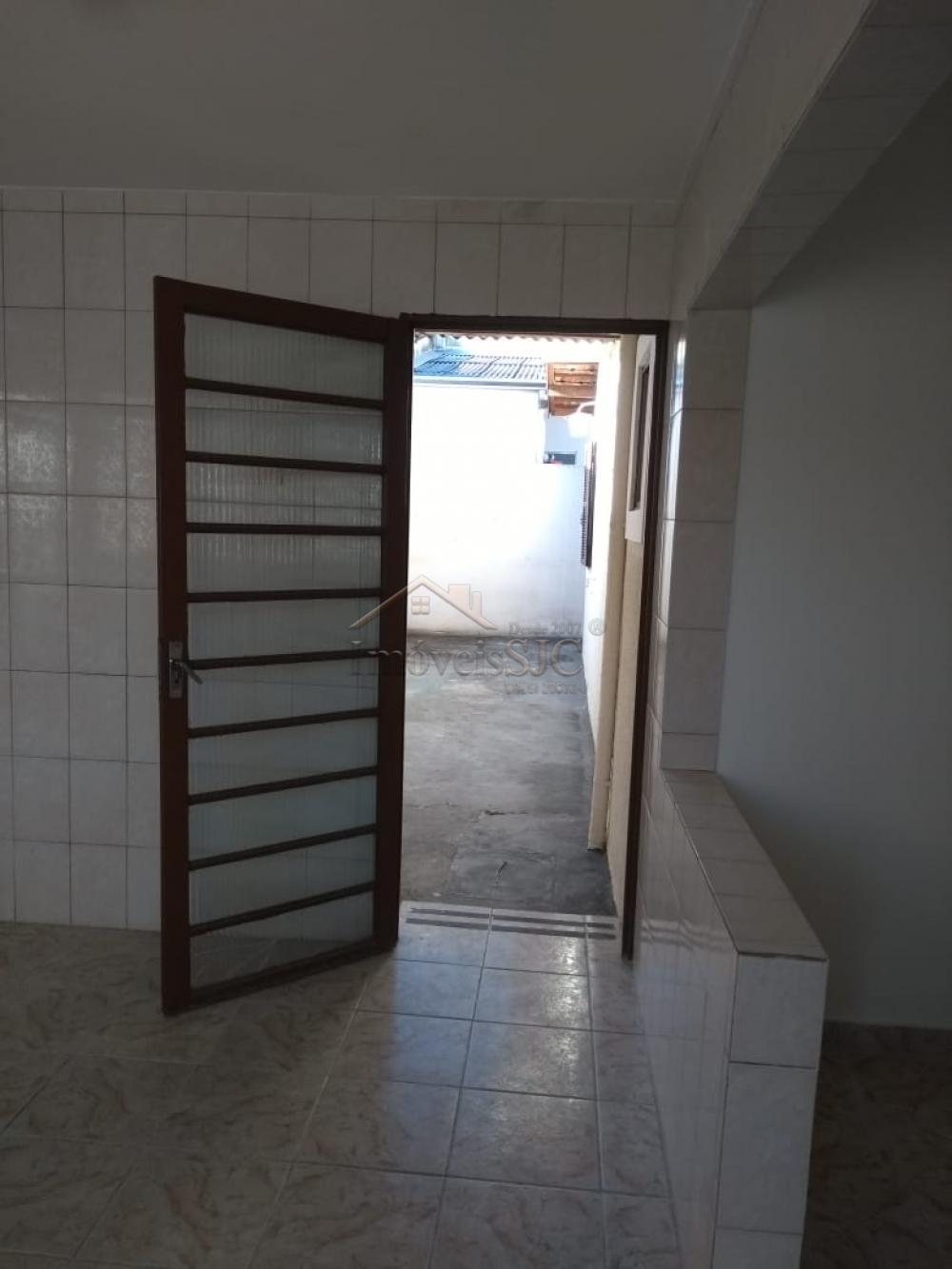 Alugar Casas / Padrão em São José dos Campos apenas R$ 1.800,00 - Foto 6