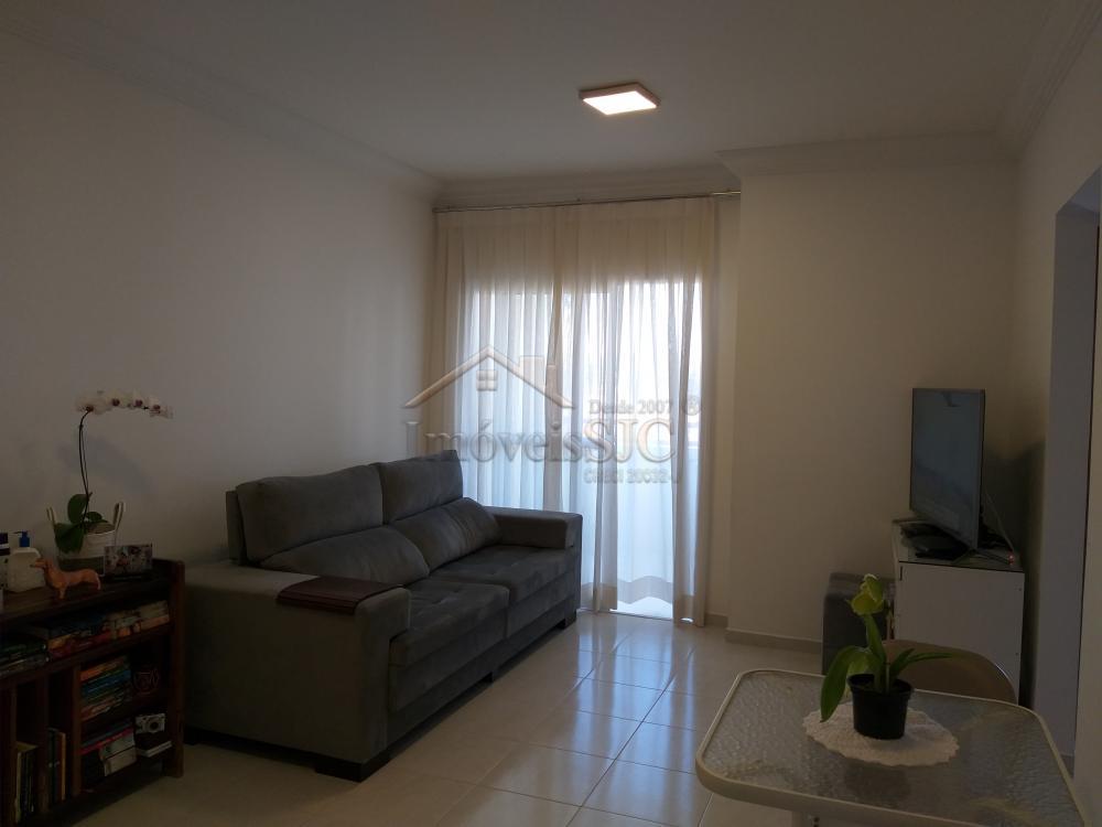 Comprar Apartamentos / Padrão em São José dos Campos apenas R$ 295.000,00 - Foto 3