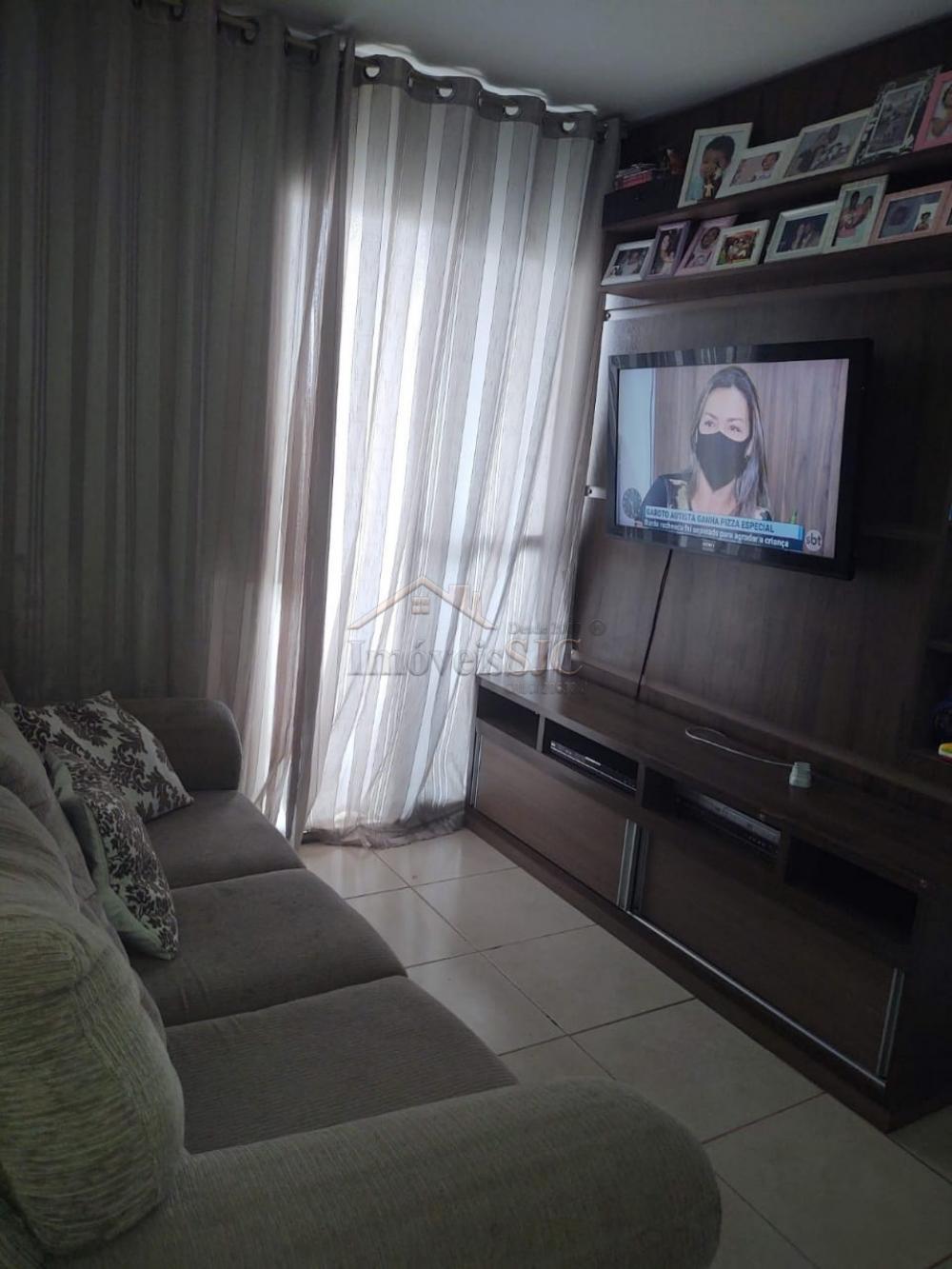 Comprar Apartamentos / Padrão em São José dos Campos apenas R$ 213.000,00 - Foto 2
