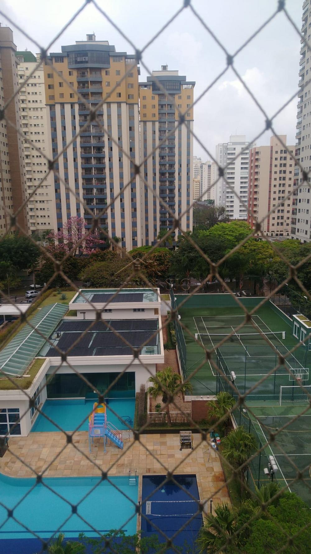 Alugar Apartamentos / Padrão em São José dos Campos R$ 2.000,00 - Foto 1