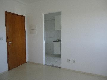 Alugar Apartamentos / Padrão em São José dos Campos R$ 1.100,00 - Foto 2