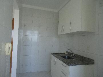 Alugar Apartamentos / Padrão em São José dos Campos R$ 1.100,00 - Foto 4