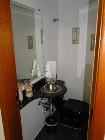 Comprar Apartamentos / Padrão em São José dos Campos apenas R$ 730.000,00 - Foto 5