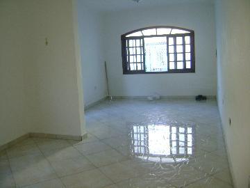 Alugar Casas / Padrão em São José dos Campos apenas R$ 2.100,00 - Foto 1