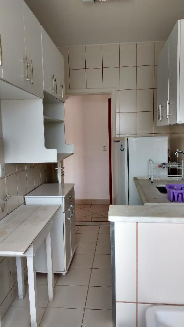Comprar Apartamentos / Padrão em São José dos Campos apenas R$ 200.000,00 - Foto 16