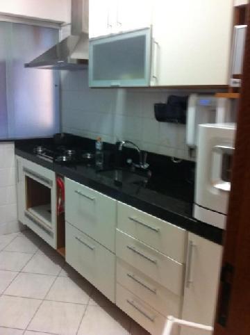 Comprar Apartamentos / Padrão em São José dos Campos apenas R$ 300.000,00 - Foto 1
