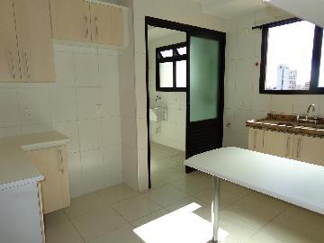 Alugar Apartamentos / Padrão em São José dos Campos apenas R$ 2.200,00 - Foto 3