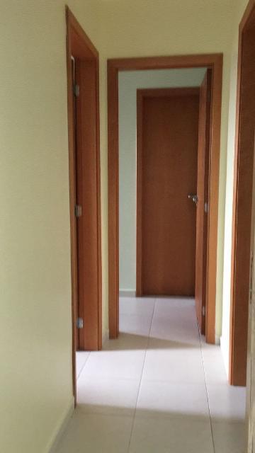 Comprar Apartamentos / Padrão em São José dos Campos apenas R$ 275.000,00 - Foto 2