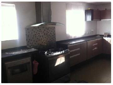 Alugar Casas / Padrão em São José dos Campos. apenas R$ 6.000,00