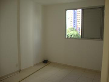 Comprar Apartamentos / Padrão em São José dos Campos apenas R$ 305.000,00 - Foto 12