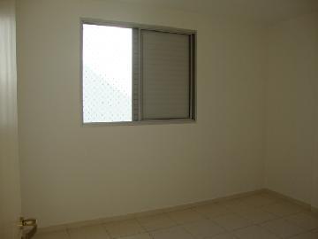 Comprar Apartamentos / Padrão em São José dos Campos apenas R$ 305.000,00 - Foto 13