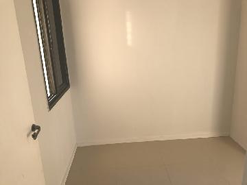 Comprar Apartamentos / Padrão em São José dos Campos apenas R$ 315.000,00 - Foto 4