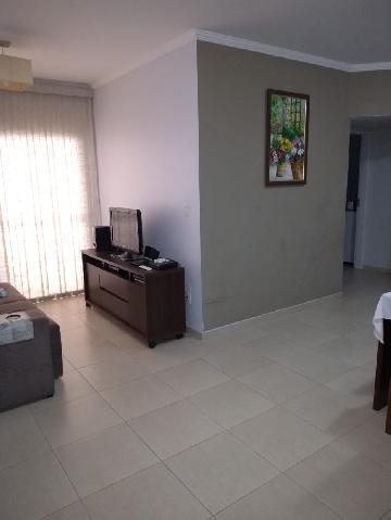 Alugar Apartamentos / Padrão em São José dos Campos R$ 1.900,00 - Foto 4