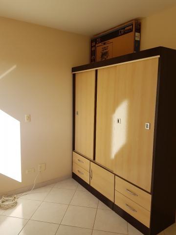 Comprar Apartamentos / Padrão em São José dos Campos apenas R$ 370.000,00 - Foto 4