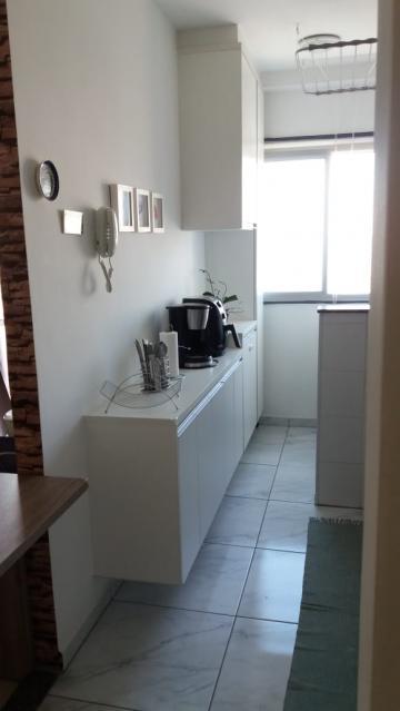 Comprar Apartamentos / Padrão em São José dos Campos apenas R$ 275.000,00 - Foto 6