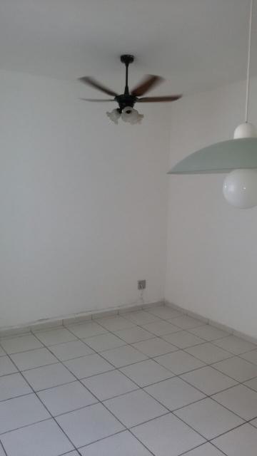 Comprar Apartamentos / Padrão em São José dos Campos apenas R$ 178.000,00 - Foto 3