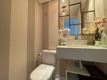 Alugar Apartamentos / Padrão em São José dos Campos. apenas R$ 1.120.000,00