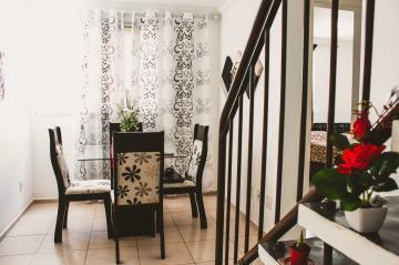 Comprar Apartamentos / Padrão em São José dos Campos apenas R$ 265.000,00 - Foto 14