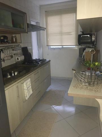 Comprar Apartamentos / Padrão em São José dos Campos apenas R$ 220.000,00 - Foto 4