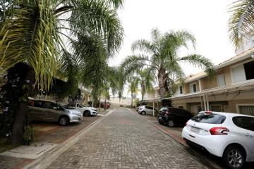 Alugar Casas / Condomínio em São José dos Campos. apenas R$ 3.000,00