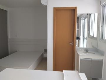 Alugar Apartamentos / Padrão em São José dos Campos. apenas R$ 2.350,00