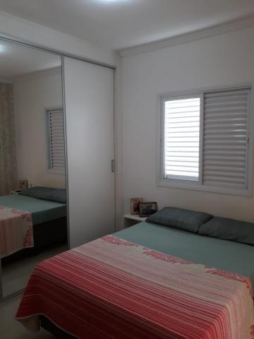 Comprar Apartamentos / Padrão em São José dos Campos apenas R$ 295.000,00 - Foto 7