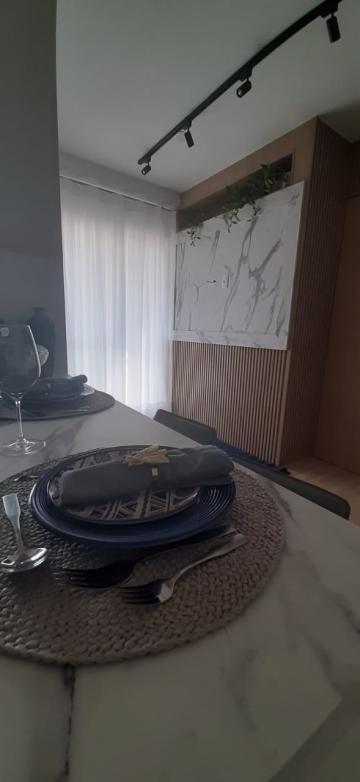 Comprar Apartamentos / Padrão em São José dos Campos apenas R$ 200.000,00 - Foto 3