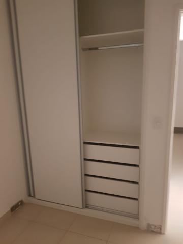 Comprar Apartamentos / Padrão em São José dos Campos apenas R$ 180.000,00 - Foto 6