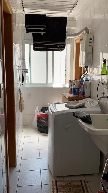 Comprar Apartamentos / Padrão em São José dos Campos apenas R$ 680.000,00 - Foto 14