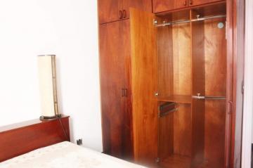 Comprar Apartamentos / Padrão em São José dos Campos apenas R$ 298.000,00 - Foto 13