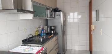 Alugar Apartamentos / Padrão em São José dos Campos R$ 1.300,00 - Foto 11