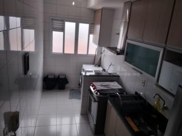 Alugar Apartamentos / Padrão em São José dos Campos R$ 1.300,00 - Foto 12