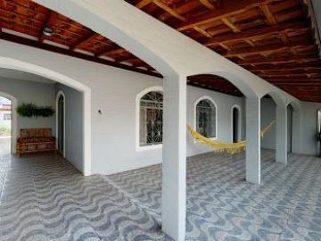 Alugar Casas / Padrão em São José dos Campos. apenas R$ 615.000,00