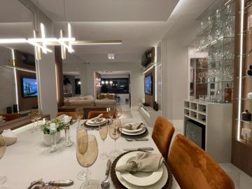 Comprar Apartamentos / Padrão em São José dos Campos - Foto 2