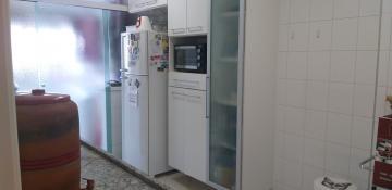 Comprar Apartamentos / Padrão em São José dos Campos R$ 850.000,00 - Foto 16